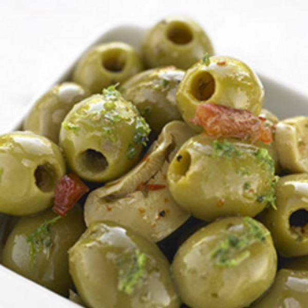 Boscaiola Large Pitted Green Olives with sliced mushrooms & peppers 1.0kg tray